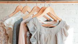 Zo stel je een nieuwe garderobe samen zonder (veel) geld uit te geven