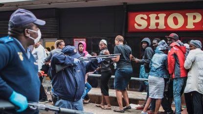 Zuid-Afrikaanse politie schiet met rubberkogels op inwoners die lockdown schenden