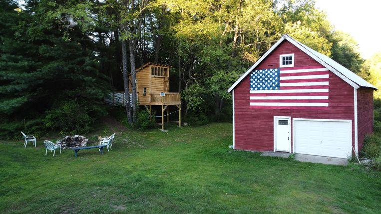 De schuur van Gabriel Enders in Hope, het type dorp waar journalisten in 2016 kwamen vragen wat al die plattelandsmensen in de onverwachte winnaar Trump zagen. Beeld Sergio Avellaneda