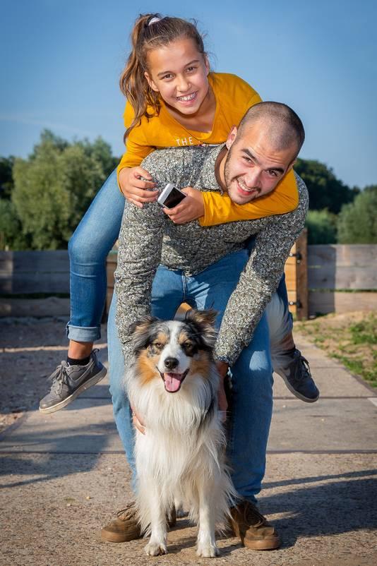Van boven naar beneden: Sevilay, Teun en hond Soeff.
