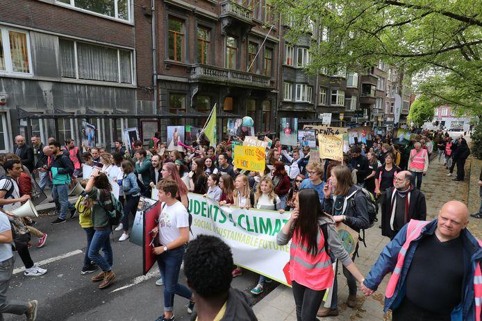 Ook in Namen deden scholieren in het voorjaar mee met de klimaatspijbelacties. Foto uit april.