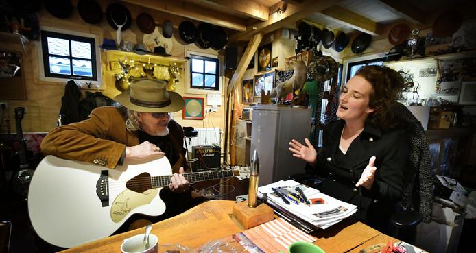 Nathalie Baartman ontmoet Bennie Jolink.