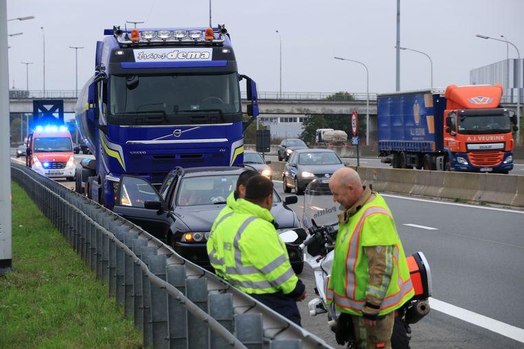De verkeersagressie gebeurde op de pechstrook van de E17, vlak voor de afrit Sint-Niklaas.