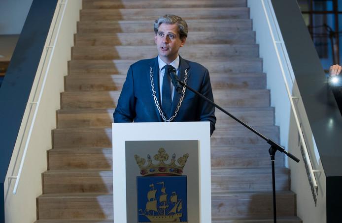 Burgemeester Wouter Kolff tijdens de afscheidsreceptie in Veenendaal.