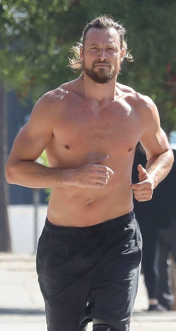 Gabriel Aubry faisant son jogging en septembre 2018