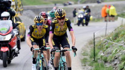 """Meesterknecht De Plus en kopman Kruijswijk willen dit jaar nog altijd de Tour winnen: """"De ploeg heeft geanalyseerd waar we INEOS kunnen pakken"""""""