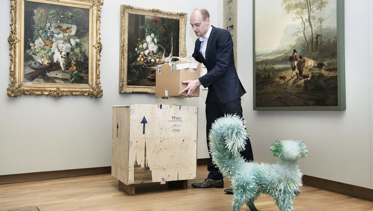 Still Life With Flowers, Fruits and a Dog, naar Abraham van Strij, 2009, Kunstenaar: Marta Klonowska. Beeld Els Zweerink