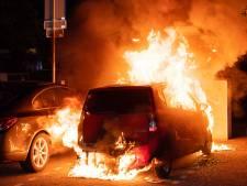 Man (19) aangehouden na reeks autobranden in Tilburg