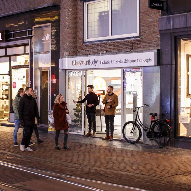 Winkel Obey Your Body in de Leidsestraat Beeld Carly Wollaert
