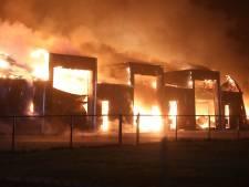 Loods in Nistelrode verwoest door grote uitslaande brand