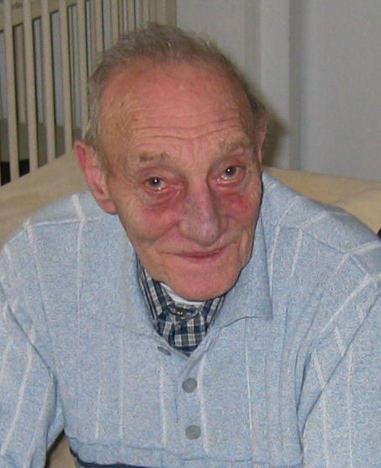 De Joodse Bodemeijer was een bekend gezicht op de Waterloopleinmarkt, waar hij jarenlang als marktmeester fungeerde en de kramen beheerde. Zijn zoon ging in 1983 de gevangenis in voor de moord op Kerwin Duinmeijer. Foto Website Cafe Waterlooplein77 Beeld