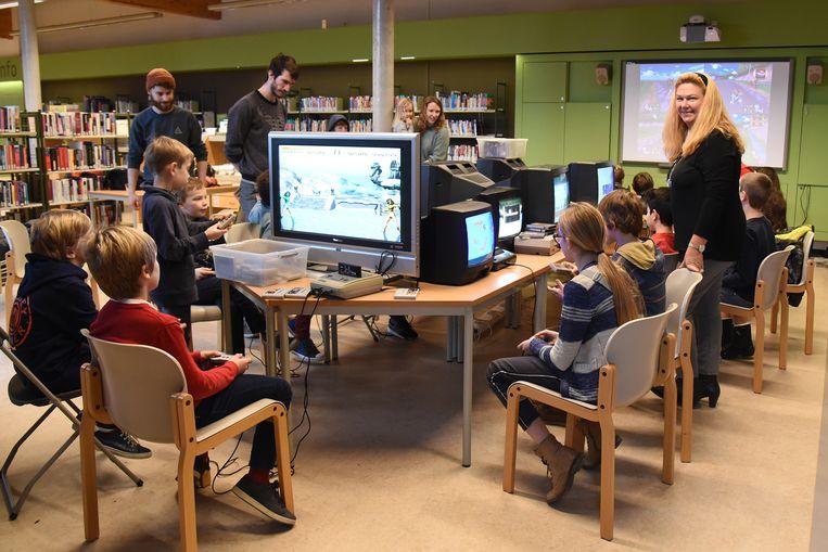 Schepen van Bibliotheek Elsie De Greef (N-VA) vond het Retro Gamefestijn alvast een schot in de roos.