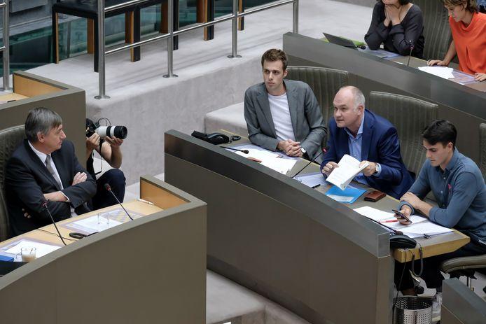 Jos D'Haese (PVDA), Bjorn Rzoska (Groen) en Conner Rousseau (sp.a) namen Jan Jambon gisteren al meteen onder vuur.