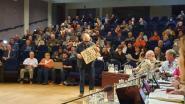 Protest in het publiek en stevig debat tussen meerderheid en oppositie: Akkoord met ontwikkelaar over vijver Essenbeek goedgekeurd
