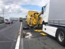 A15 weer vrij na vrachtwagen met pech bij Tiel