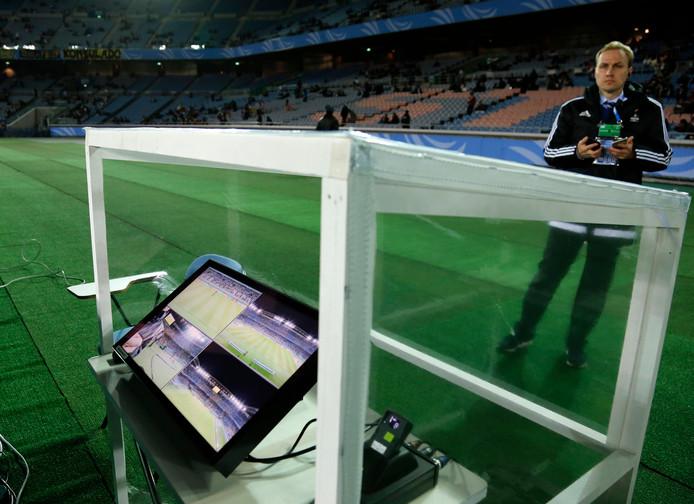 De monitor voor de scheidsrechter bij het WK voor clubs in Japan.