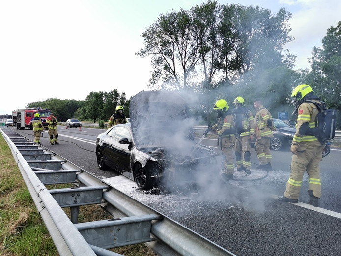 Autobrand op de A12.