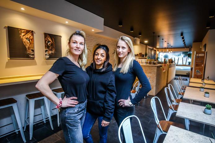 In de Rijselstraat te St Michiels Brugge openden Annick Devriendt, Amber Berghman en Justine Desondre WIld Foodz
