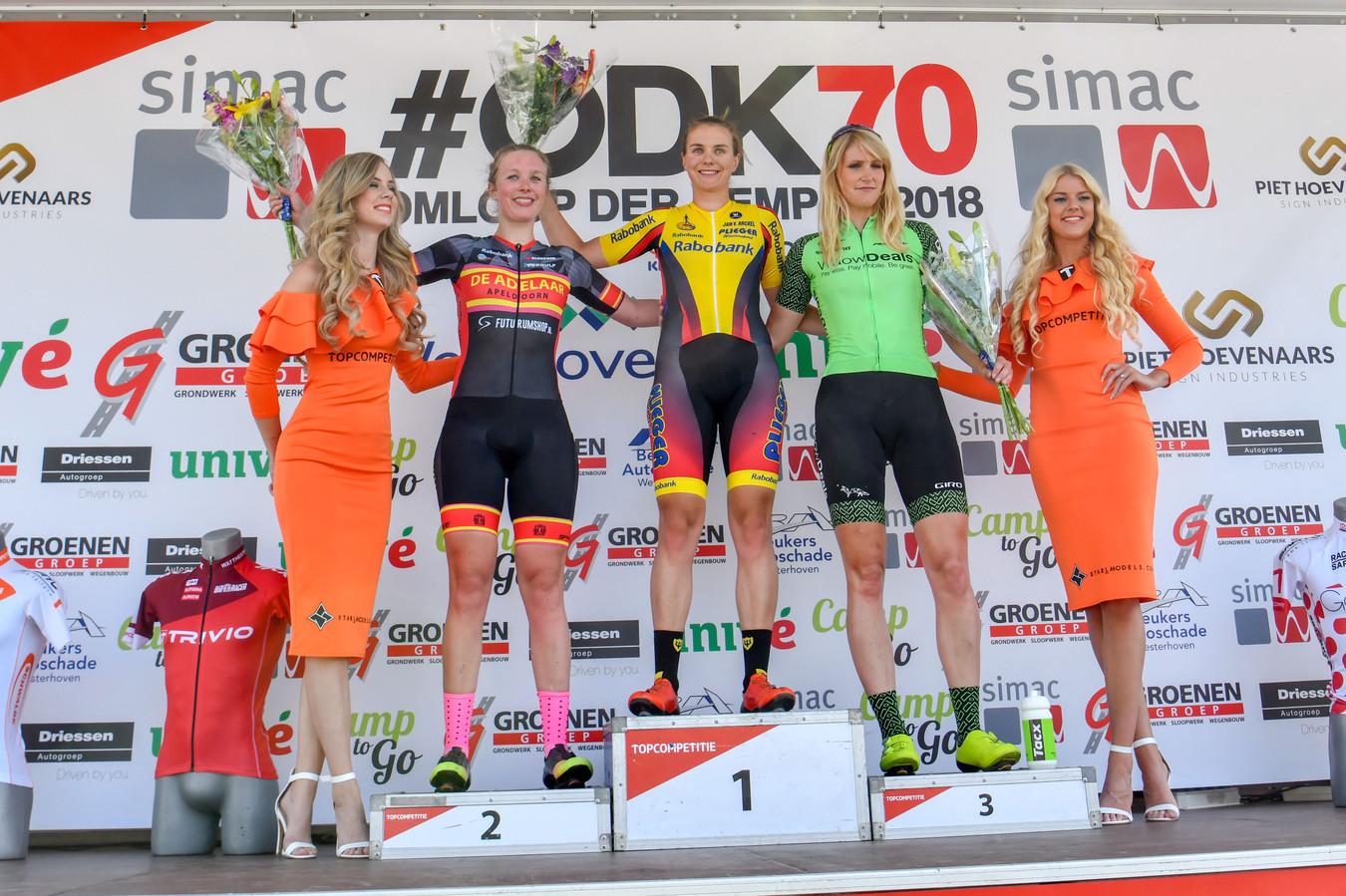 Winanda Spoor wint de GP Groenen, de dameswedstrijd bij de Omloop der Kempen.