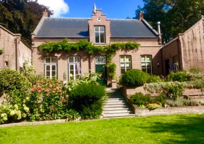 De oude pastorie in Kessel, vanaf 1955 particulier bewoond.