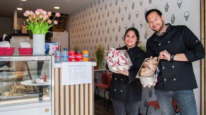 Broer en zus starten samen Bar Bol en laten ijsjes smullen in stadscentrum