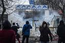 De Griekse politie probeerde vandaag met traangas duizenden migranten terug te dringen die de grens probeerden over te steken vanuit Turkije. Sommigen gooiden stenen, constateerden AFP-verslaggevers.