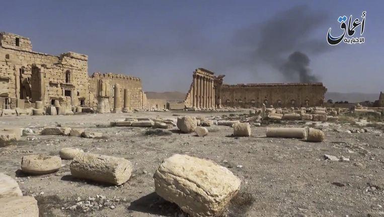 Een beeld uit de video die IS dinsdag naar buiten bracht om te laten zien dat de ruïnes in Palmyra nog overeind staan. Beeld ap
