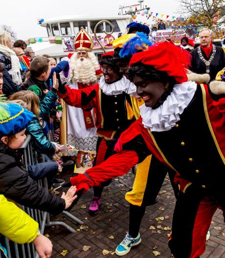 Gemist? Protest tegen Zwarte Piet in Zwolle, dode bij ernstig ongeluk op A6