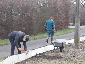 """Vrijwilligers plaatsen opnieuw paddenschermen: """"Ook tijdens coronacrisis gaan duizenden dieren op voorjaarstrek"""""""