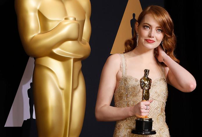 Emma Stone met haar Oscar.