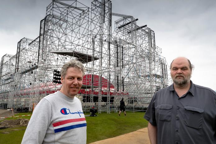 Directeuren Peter Sanders (l) en Chris Seijkens zien Paaspop groot worden.