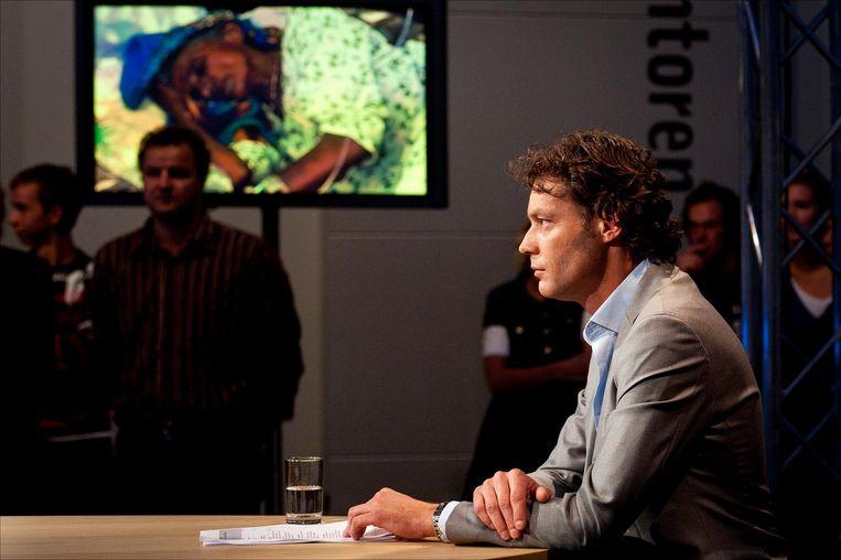 Tijdens een live-uitzending voor Pakistan in 2010. Beeld ANP