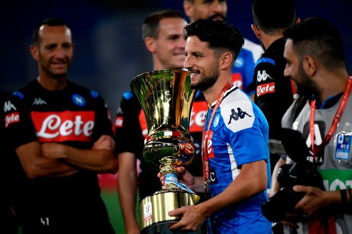 Deuxième Coupe d'Italie qui aura, au moins deux années supplémentaires avec le Napoli, pour en ajouter d'autres.