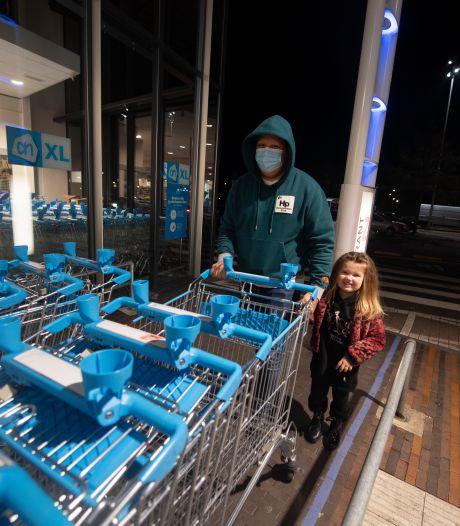 Nog snel naar de supermarkt in Enschede, want de luiers zijn op