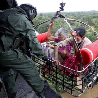 324 doden bij overstromingen in India, 200.000 mensen ontheemd