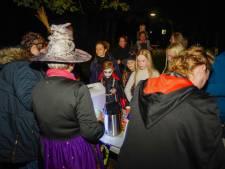 Griezels laten deelnemers van spooktocht in Waalre gillen