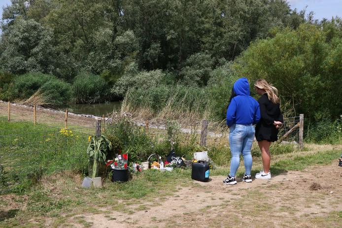 Herdenking voor de 17-jarige Leonardo Schouten in de Crezéepolder