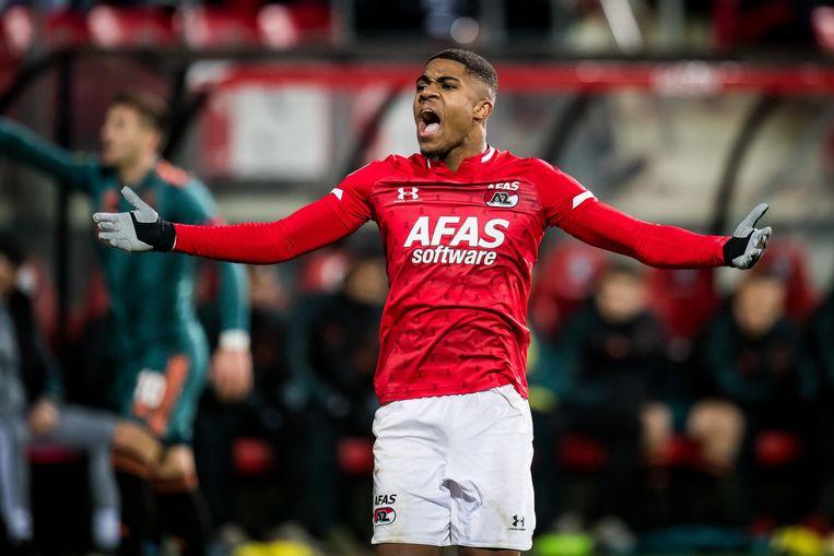 AZ-aanvaller Myron Boadu tijdens de wedstrijd AZ-Ajax (1-0), december vorig jaar. Afas is onder meer hoofdsponsor van de Alkmaarse eredivisieclub.  Beeld ANP