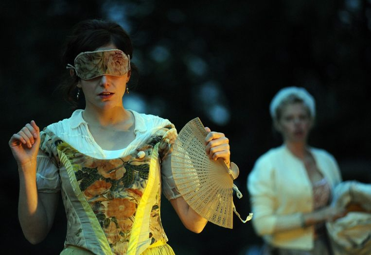Compagnie Marius, met Evelien Bosmans, speelt 'Figaro'.