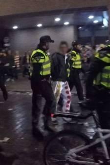 'Dit was echt zinloos geweld', echtpaar zomaar aangevallen na bezoek Kees Kroket met carnaval