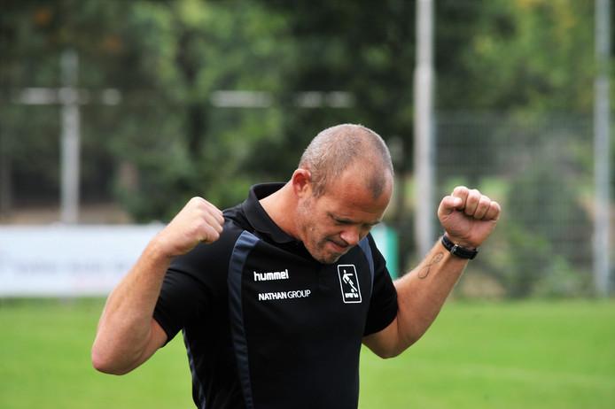 Trainer Wouter van der Ent van AVW'66.