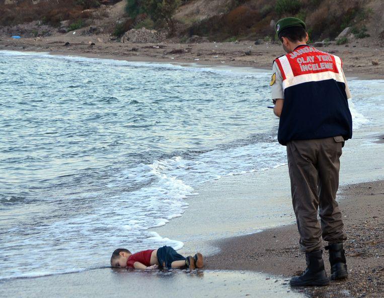 Deze foto werd in september 2015 genomen en werd symbolisch voor de vluchtelingencrisis.