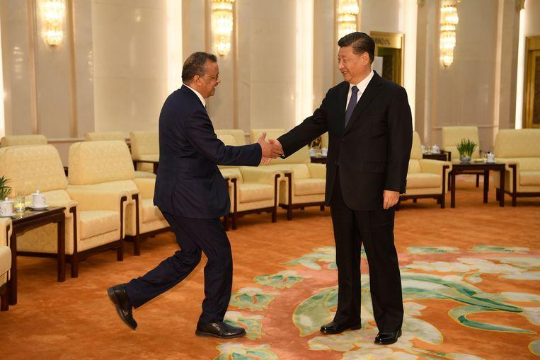 Tedros Adhanom, directeur van de WHO werd vorige week ontvangen door de Chinese president  Xi Jinping.  Beeld EPA