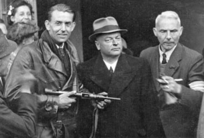 Mussert kort voor zijn executie op 7 mei 1945.