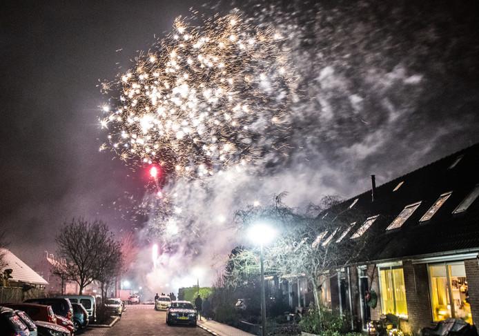 Veel vuurwerk in Maasdam op nieuwjaarsnacht 2019.
