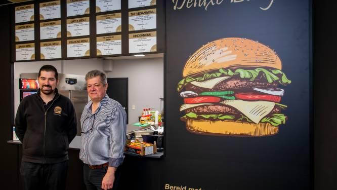 """Vader en zoon openen derde vestiging Deluxe Burger: """"Uit overtuiging van goed product"""""""