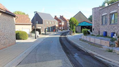 Asfalteringswerken in Asbeek, Zellik en Asse-ter-Heide