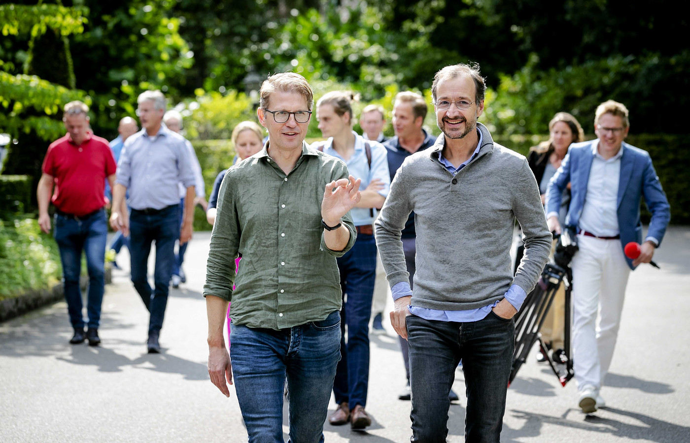 Minister Sander Dekker (links) en minister Eric Wiebes.