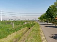Bouw van stroomsnelweg bij twee dorpen uit de startblokken
