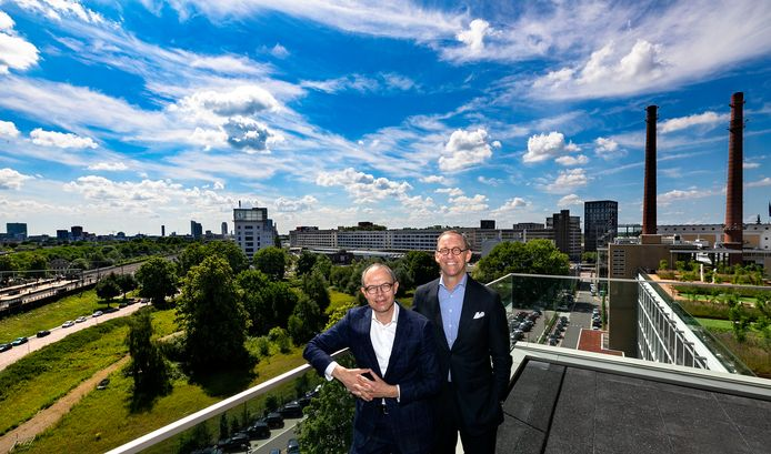 Rabobank-directieleden Marc Cootjans (links) en Gerard Zwartkruis, vorig jaar gefotografeerd op Strijp T in Eindhoven.